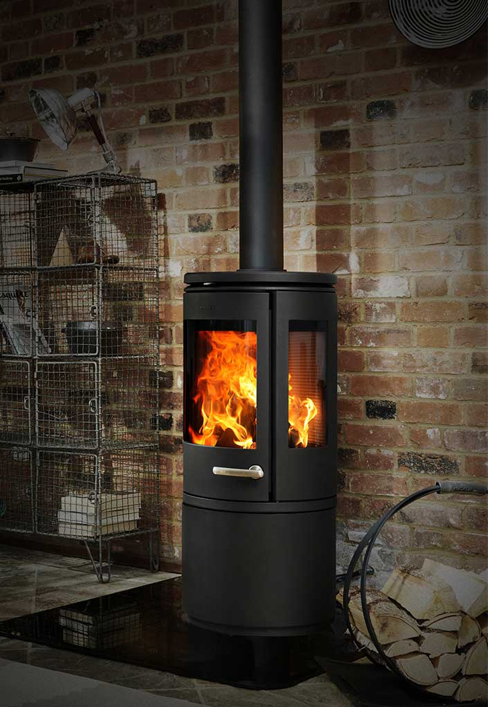 Morso 7943 fresstanding wood fire with door and enclosed wood storage underneath